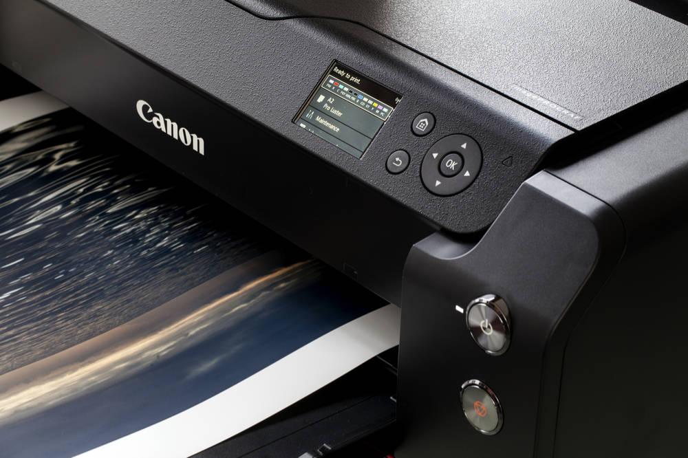 """Die Funktion """"Farbkalibrierung"""" der Canon Großformatdrucker."""